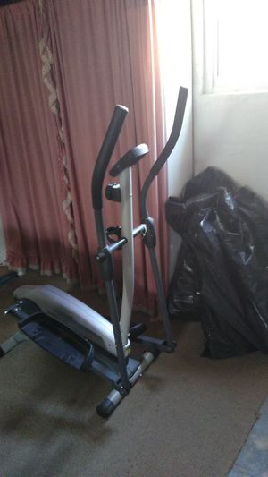 Working elliptical exercise machine for Sale in St. Louis, MO