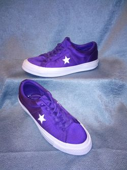 Converse One Star Satin Athletic Shoe for Sale in San Angelo,  TX