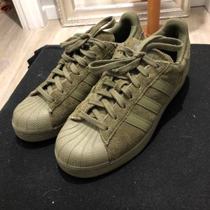 🔥CAMO GREEN ALL SUEDE ADIDAS SUPERSTAR SHELL TOES🔥 for Sale in Mountlake Terrace, WA
