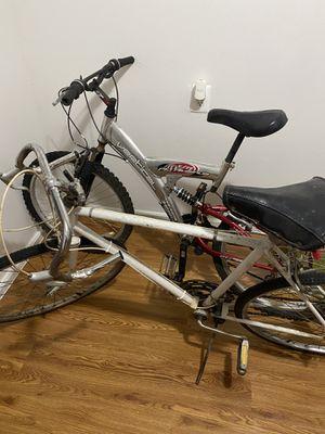 Mountain bike and road bike for Sale in Blackwood, NJ