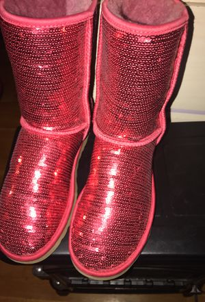 Red ugg women's size 9 will negotiate on price for Sale in Cleveland, OH