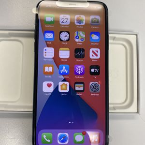 Like New iPhone 11 PRO MAX 64GB Midnight Green, UNLOCKED + Applecare Warranty till 12.28.2020 for Sale in Brooklyn, NY