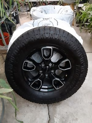 *Like New* AT Sport Pro Comp Tires 285/65R18. This is for complete set of 5 tires, (spare is a full-sized tire) and 5 rims. for Sale in San Jose, CA