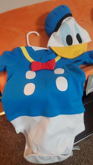 Baby Donald duck costume for Sale in Upland, CA