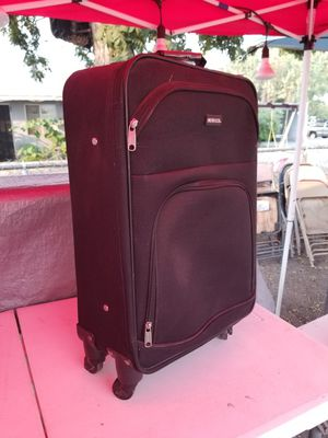 Suitcase for Sale in Fresno, CA