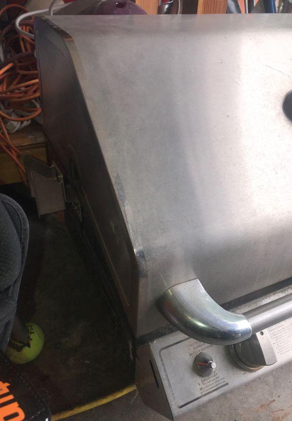 Custom backyard bbq island grill 26 inches wide