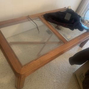 Coffee Table With2 End Tables for Sale in Fresno, CA
