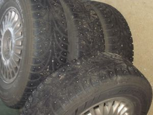 Hankook P215 70R 15 Mounted Studded Snow Tires for Sale in Tacoma, WA