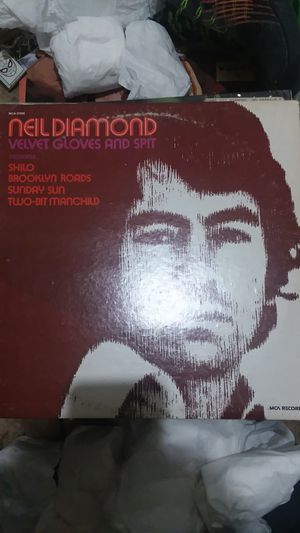 NEIL DIAMOND VELVET GLOVES AND SPIT for Sale in Muscatine, IA