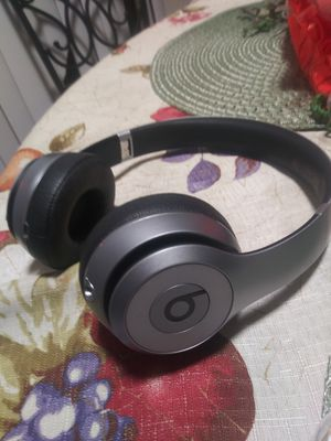 Beats solo 2 for Sale in Oakland, CA