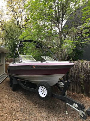 1988 Maxum 21ft ski/wakeboard board. New block and heads. Well maintained. Runs perfectly for Sale in Littleton, CO