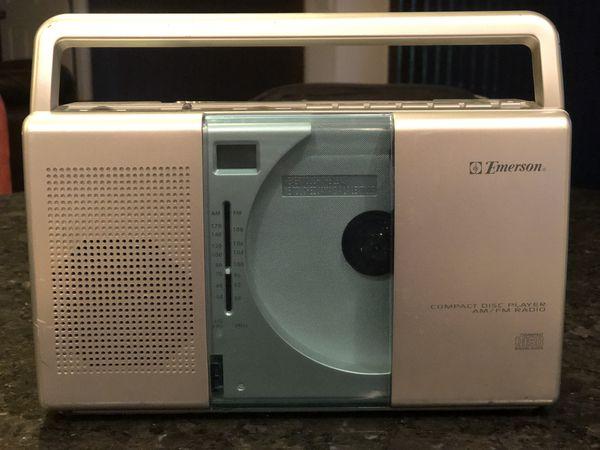 EMERSON compact CD player/AM FM radio