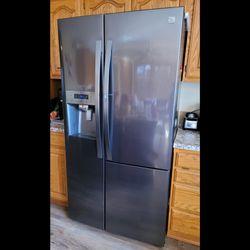 Kenmore Elite Refrigerator for Sale in Salem,  OR