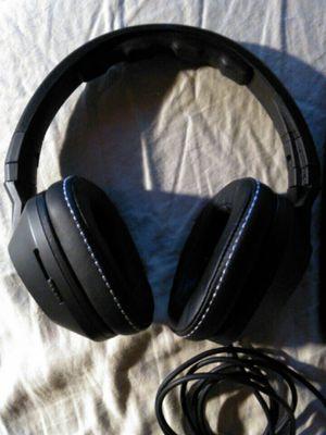 SKULLCANDY CRUSHER OVER-EARHEADPHONES with built bass amplifier for Sale in Everett, WA