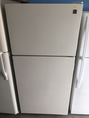 Kenmore 18 cu ft top freezer refrigerator for Sale in San Diego, CA