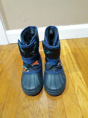 Snow boots for boys for Sale in Irwindale, CA