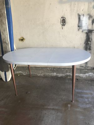 White mid century dining table for Sale in Newport Beach, CA