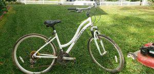 Schwinn woman's bike for Sale in Silver Spring, MD