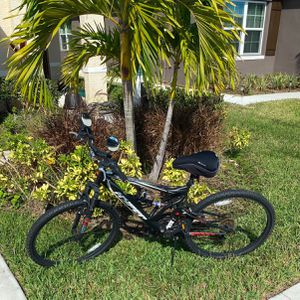 """""""Bike (Adult-Unisex ), Hyper Shocker Suspension"""" 18-speed Shimano Adult Bike (with Gel Seated Cushion, Mirrors, And Bottle Holder Included) for Sale in Port St. Lucie, FL"""
