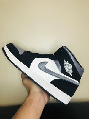 AIR JORDAN 1 MID SE 'SATIN SMOKE GREY' (SIZE 11) for Sale in Glendale Heights, IL