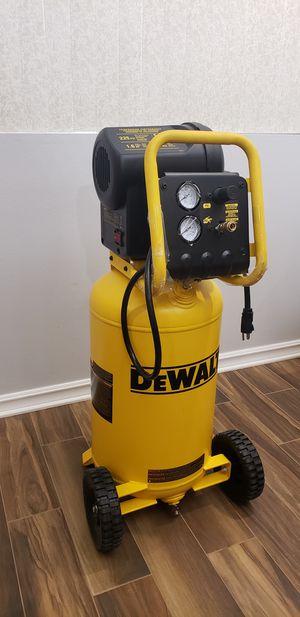 Dewalt 15 gal air compressor for Sale in San Diego, CA
