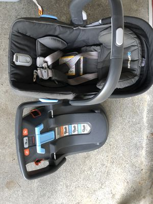 Uppababy Mesa Baby Car Seat (including with base) for Sale in Kirkland, WA