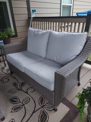 Patio outdoor love seat furniture for Sale in Lyman, SC