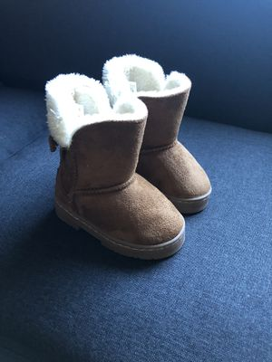 Toddler girl boots size 7 for Sale in Brookfield, IL