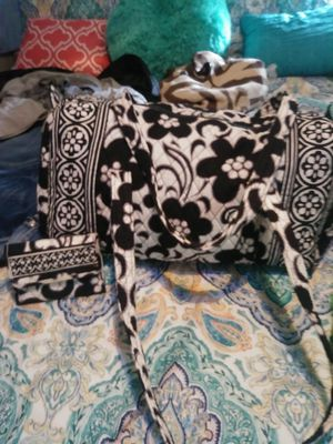 Vera bradley wallet and diaperbag/overnite bag for Sale in Vidor, TX