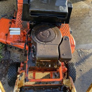 Simplicity Lawn Tractor for Sale in St. Clair Shores, MI