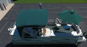 2006 Manitou Legacy Pontoon Boat and Trailer for Sale in Oakland, CA