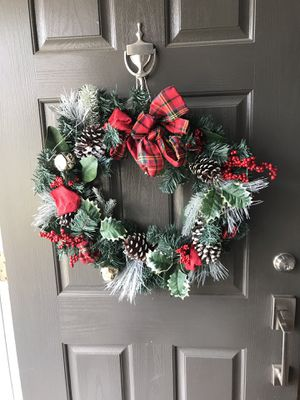 Christmas Wreath w/ lights for Sale in Gainesville, VA