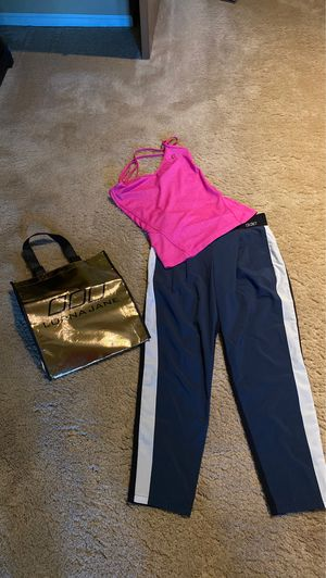 Recondition LORNA JANE Athletic Wear / size Small for Sale in Issaquah, WA