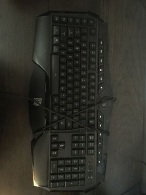 Thermaltake keyboard need gone today for Sale in Pomona, CA