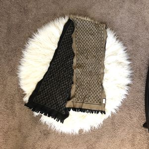 Gucci Scarf for Sale in Las Vegas, NV