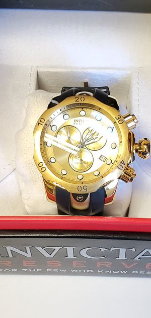 New INVICTA VENOM Gold Watch - Need a Battery - Price Negotiable MODEL 16985 for Sale in Washington, DC