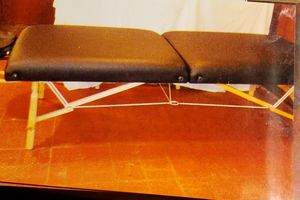 Oakworks Massage Table for Sale in Middleburg Heights, OH