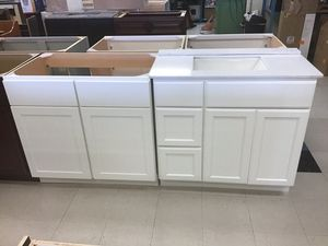 """White vanities 36"""" for Sale in Tarpon Springs, FL"""