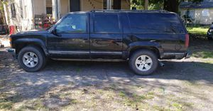 1999 gmc suburban 5.7 4x4 low miles for Sale in Lakeland, FL