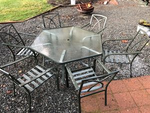 Patio dining set - free for Sale in Bothell, WA