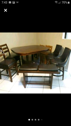 Brown expresso high top dinning room or kitchen table for Sale in Waverly, FL