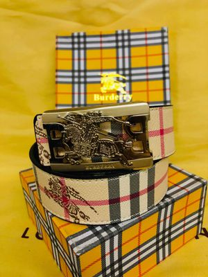 Burberry belt for Sale in Fresno, CA