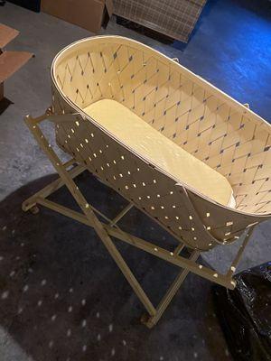 Burlington Basket Co Vintage Bassinet for Sale in Quincy, IL