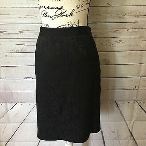 DANA BUCHMAN PENCIL SKIRT SIZE 4 SMALL/MEDIUM (CLOTHING&SHOES) for Sale in Washougal, WA