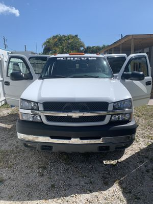 03 CHEVY SILVERADO 2500HD V8 4DR 8FT for Sale in Cape Coral, FL