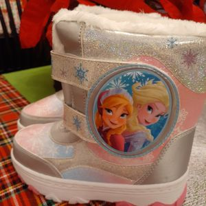 New Girls Frozen Winter/snow Boots for Sale in Philadelphia, PA