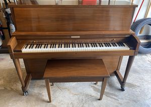 Baldwin Hamilton Upright Piano with matching seat/bench for Sale in Clifton, VA