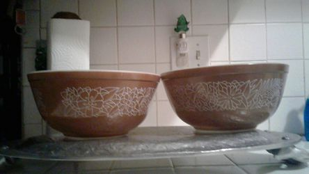 Pyrex mixing bowls $15 for both for Sale in Los Angeles,  CA