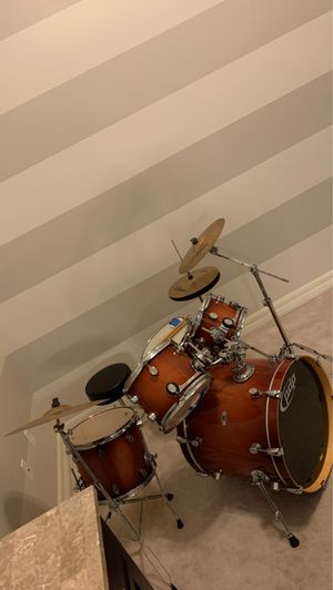 pdp M5 maple drum set. Great cond. for Sale in Ballwin, MO