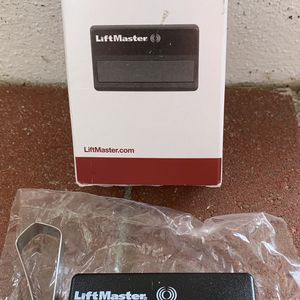 LiftMaster 371LM Remote Control Garage Door for Sale in Stuart, FL